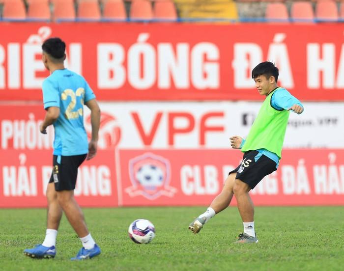 Hà Nội FC tuýt còi trò chơi điện tử sử dụng trái phép hình ảnh Quang Hải - Ảnh 6.