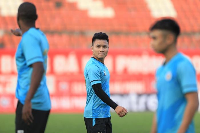 Hà Nội FC tuýt còi trò chơi điện tử sử dụng trái phép hình ảnh Quang Hải - Ảnh 3.