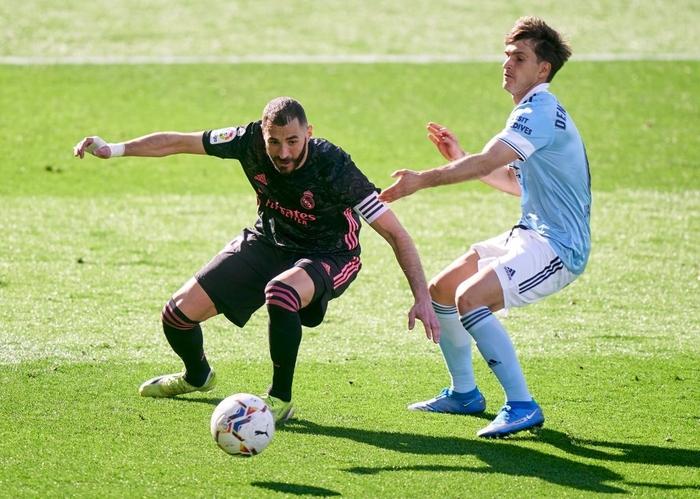 Benzema lập cú đúp, Real Madrid nhọc nhằn tiến sát ngôi đầu La Liga - Ảnh 2.