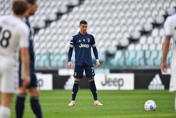 """Ronaldo trải qua kết cục đắng ngắt trong ngày vinh dự nhận áo """"The G.O.A.T"""" - Ảnh 5."""