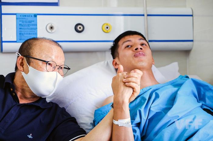 Hùng Dũng lần đầu lên tiếng sau ca chấn thương, thông báo tình hình ổn định và hứa sẽ sớm trở lại - Ảnh 3.