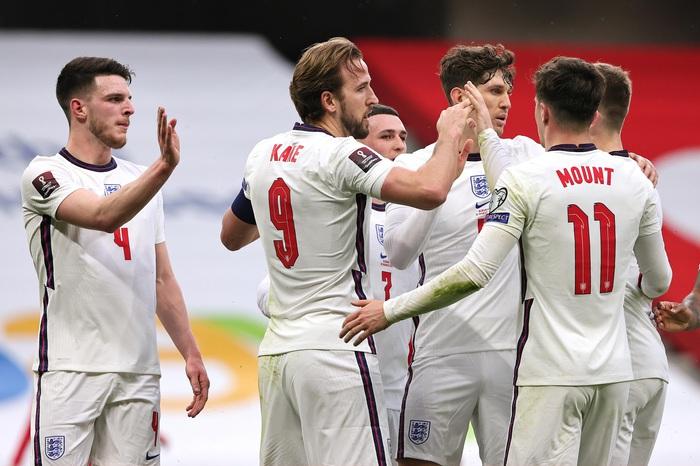 Harry Kane trên hành trình vượt qua Rooney - Ảnh 3.
