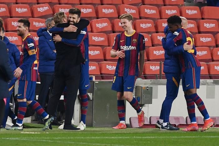 """""""Từ cõi chết trở về"""", Barca vào chung kết Cúp nhà Vua theo cách không thể kịch tính hơn - Ảnh 1."""