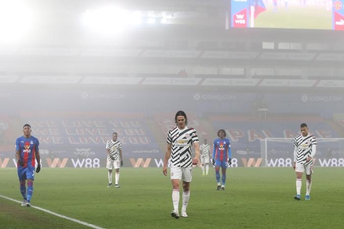 Hòa thất vọng đối thủ dưới cơ, MU dâng chức vô địch cho Man City? - Ảnh 1.
