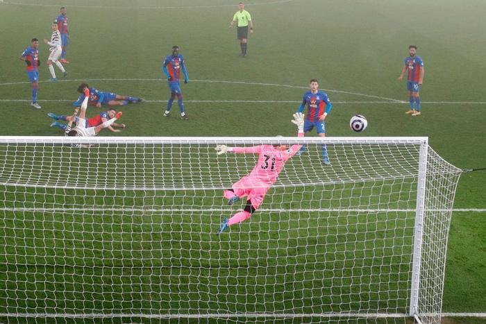 Hòa thất vọng đối thủ dưới cơ, MU dâng chức vô địch cho Man City? - Ảnh 7.
