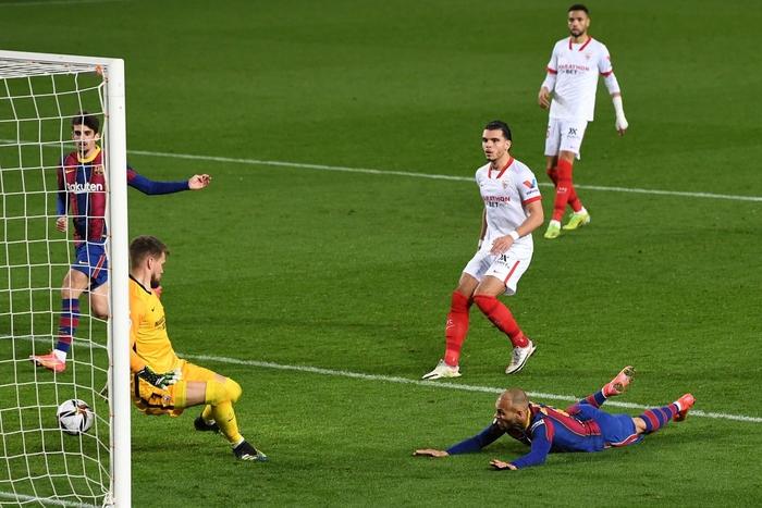 """Barca """"từ cõi chết trở về"""" kịch tích để vào chung kết Cúp nhà Vua Tây Ban Nha  - Ảnh 10."""