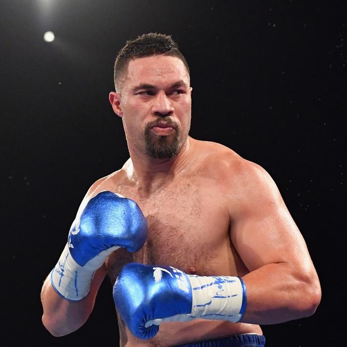 """Đang yên đang lành bỗng bị réo tên """"cà khịa"""", nhà cựu vô địch boxing nước Anh đáp trả theo cách """"cực thâm"""" - Ảnh 2."""