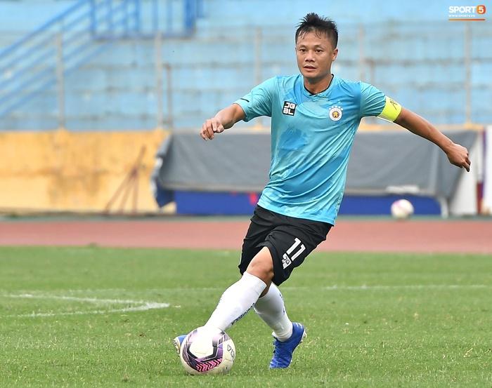 Quang Hải chấn thương, Hà Nội FC chơi với đội hình dị - Ảnh 2.