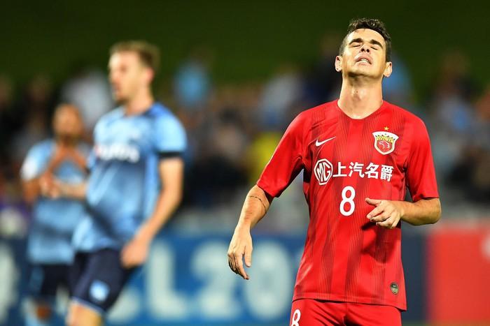 Sự lụi tàn của một ngôi sao bóng đá rời đỉnh cao ở tuổi 25 để chạy theo tiếng gọi đồng tiền từ Trung Quốc - Ảnh 4.