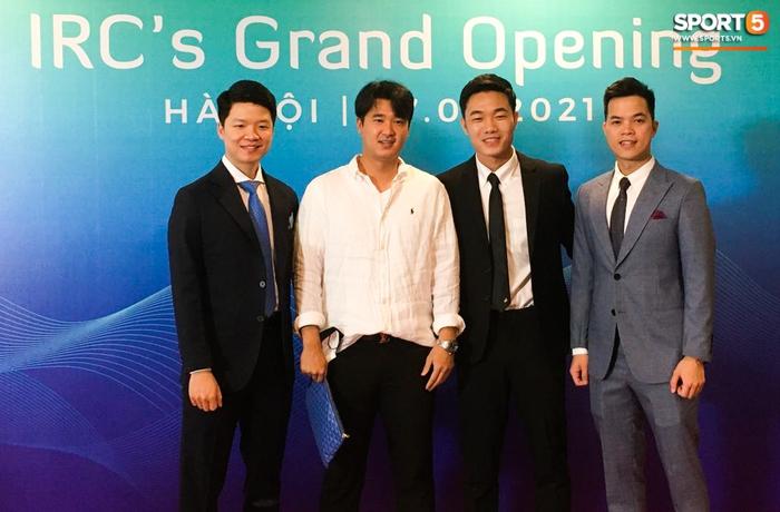 Xuân Trường mở trung tâm chữa chấn thương, Quang Hải, Văn Toàn bảnh bao đến chúc mừng - Ảnh 5.
