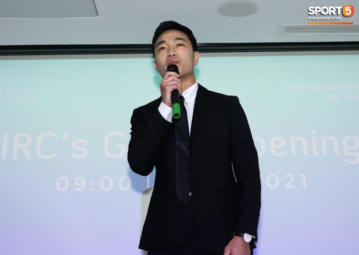 Xuân Trường đầy tự tin, ra dáng Chủ tịch trong ngày ra mắt dự án khởi nghiệp - Ảnh 1.