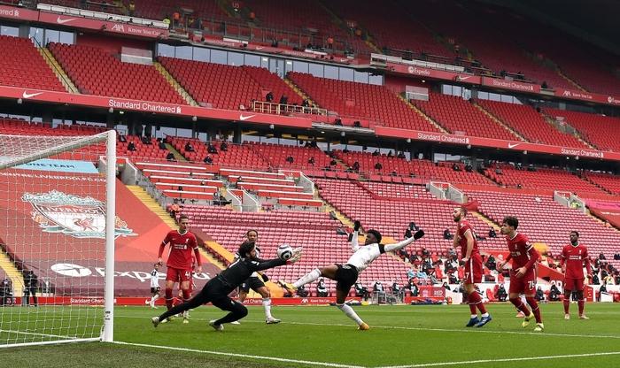 Thua đội cầm đèn đỏ trên sân nhà, Liverpool chìm sâu vào khủng hoảng - Ảnh 4.