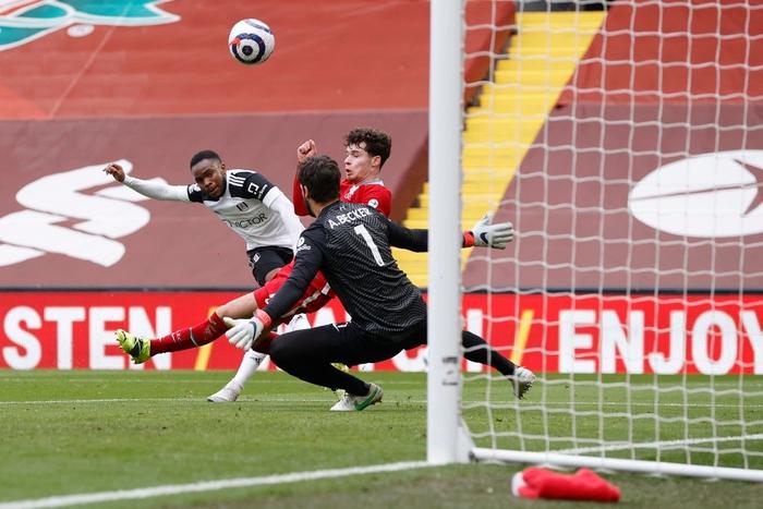 Thua đội cầm đèn đỏ trên sân nhà, Liverpool chìm sâu vào khủng hoảng - Ảnh 3.