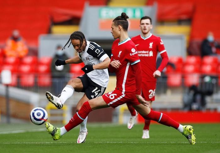 Thua đội cầm đèn đỏ trên sân nhà, Liverpool chìm sâu vào khủng hoảng - Ảnh 2.