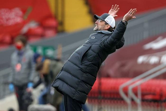 Thua đội cầm đèn đỏ trên sân nhà, Liverpool chìm sâu vào khủng hoảng - Ảnh 9.