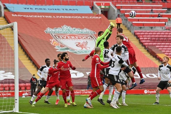 Thua đội cầm đèn đỏ trên sân nhà, Liverpool chìm sâu vào khủng hoảng - Ảnh 8.