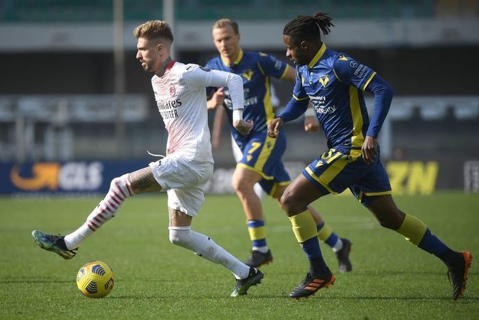 Hậu vệ MU lập công giúp AC Milan áp sát ngôi đầu - Ảnh 3.