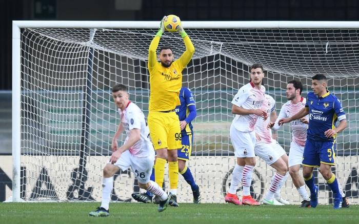 Hậu vệ MU lập công giúp AC Milan áp sát ngôi đầu - Ảnh 8.