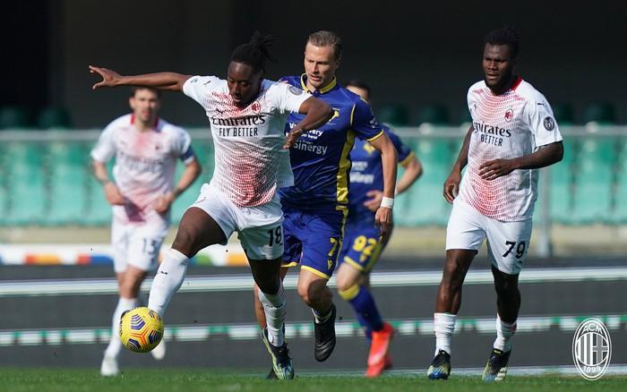 Hậu vệ MU lập công giúp AC Milan áp sát ngôi đầu - Ảnh 2.