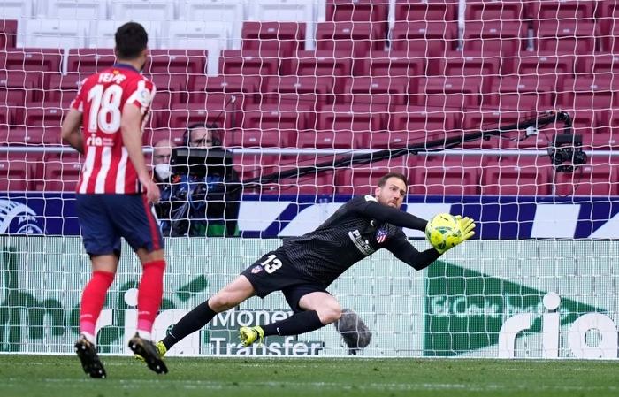 Hai số 9 cùng tỏa sáng, derby Madrid bất phân thắng bại - Ảnh 5.