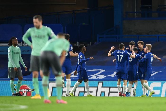 HLV Tuchel lập kỷ lục Ngoại hạng Anh, đưa Chelsea vào top 4 - ảnh 1