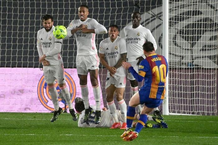 Messi thẫn thờ, nối dài chuỗi thất vọng kể từ ngày Ronaldo chia tay Siêu kinh điển - Ảnh 5.