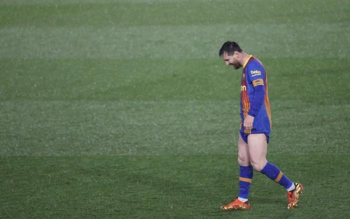 Messi thẫn thờ, nối dài chuỗi thất vọng kể từ ngày Ronaldo chia tay Siêu kinh điển - Ảnh 2.