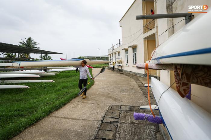 Dự án trăm tỷ khu đua thuyền SEA Games 31 chờ sửa chữa, khán đài nứt toác - Ảnh 4.