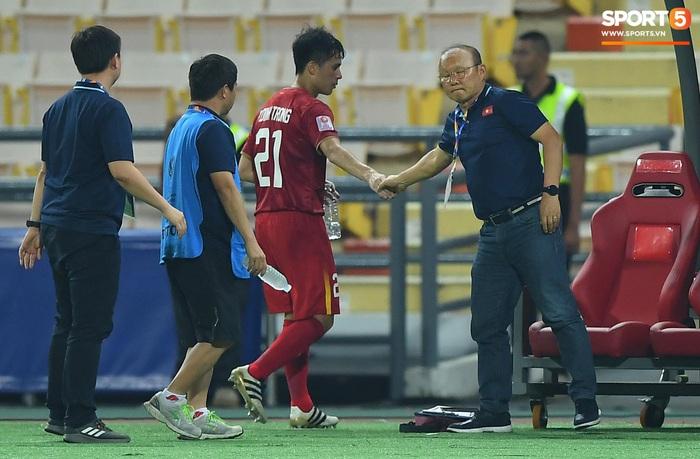 HLV Park Hang-seo thừa nhận từng tự mãn dẫn đến thất bại của U23 Việt Nam, chia sẻ về thú vui chơi dở nhưng vẫn thích - Ảnh 1.