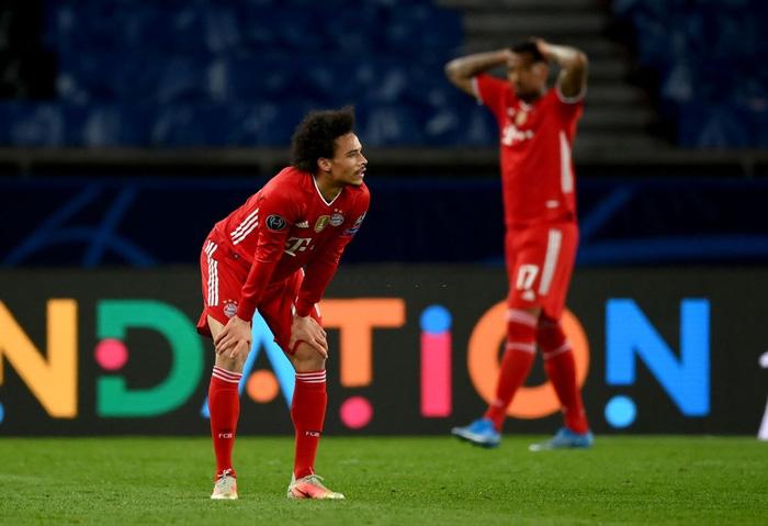 Cầu thủ đắt giá nhất thế giới gục đầu ôm mặt, xúc động không nói nên lời sau khi loại Bayern - Ảnh 7.
