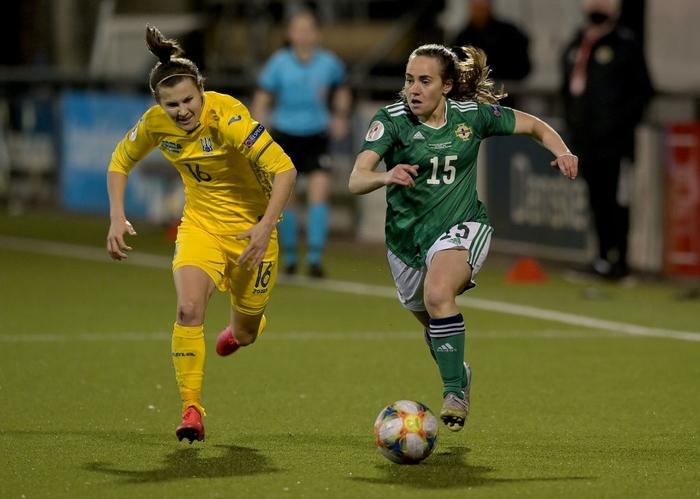 Bỏ bóng ăn người, nữ tuyển thủ Ukraine gián tiếp giúp đối thủ tạo nên cột mốc lịch sử - Ảnh 1.
