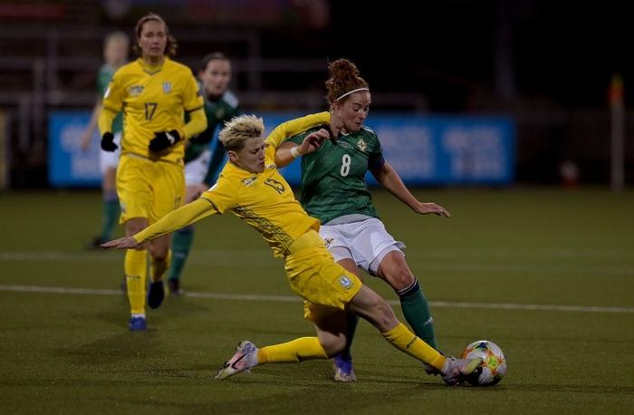 Bỏ bóng ăn người, nữ tuyển thủ Ukraine gián tiếp giúp đối thủ tạo nên cột mốc lịch sử - Ảnh 2.