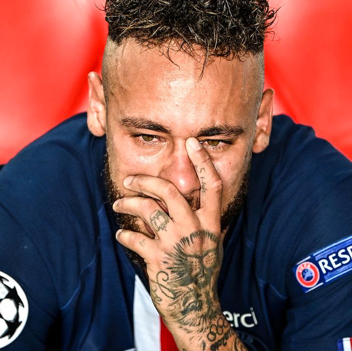 Cầu thủ đắt giá nhất thế giới gục đầu ôm mặt, xúc động không nói nên lời sau khi loại Bayern - Ảnh 4.