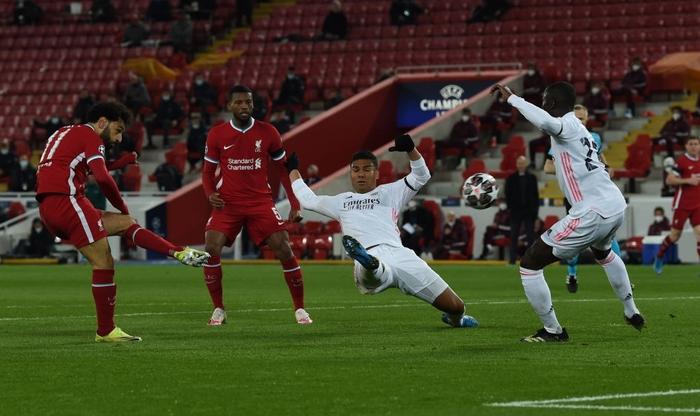 Salah chân gỗ, Liverpool bất lực để Real Madrid loại khỏi Champions League - Ảnh 3.