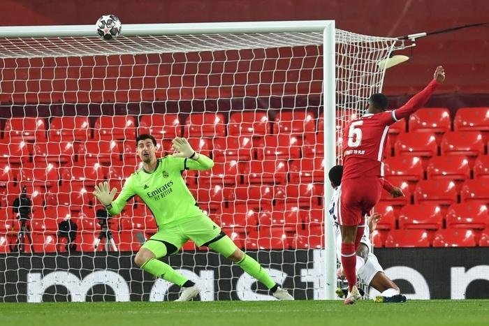 Salah chân gỗ, Liverpool bất lực để Real Madrid loại khỏi Champions League - Ảnh 6.