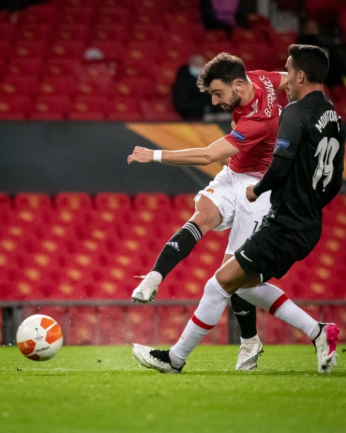 MU nhẹ nhàng vượt qua Granada, đại chiến AS Roma tại bán kết Europa League - Ảnh 6.