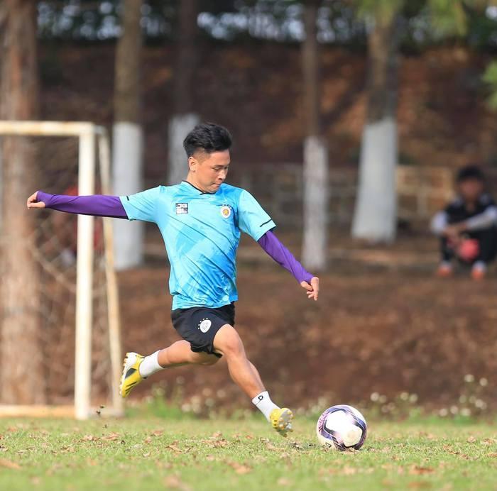 """HAGL và Hà Nội FC """"đốt nóng không khí"""" bằng buổi tập trước trận đối đầu trên sân Pleiku - Ảnh 8."""