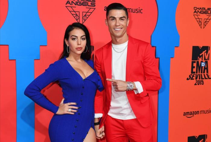 Những bí mật về cuộc sống gia đình Ronaldo sẽ được bạn gái tiết lộ trên phim? - Ảnh 3.