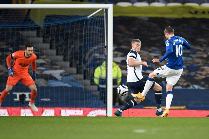 Rượt đuổi gay cấn, Tottenham chia điểm với Everton trong ngày Harry Kane lập cú đúp - Ảnh 6.