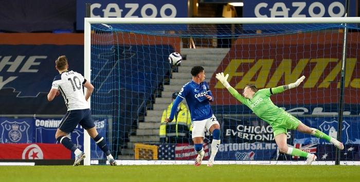 Rượt đuổi gay cấn, Tottenham chia điểm với Everton trong ngày Harry Kane lập cú đúp - Ảnh 7.