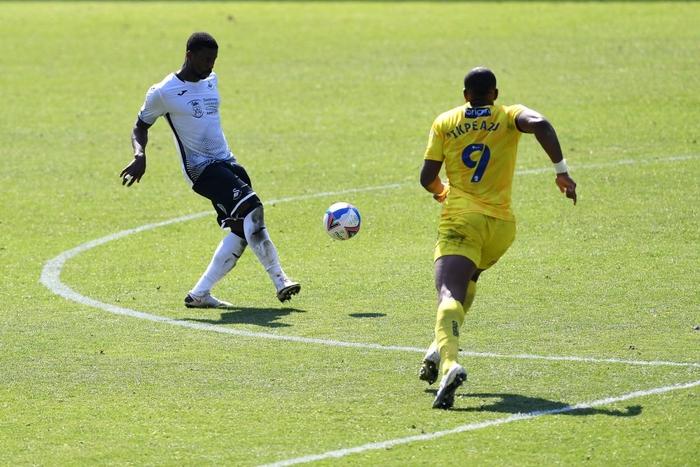 Norwich chính thức quay trở lại với Premier League chỉ sau một mùa bị xuống hạng - Ảnh 1.