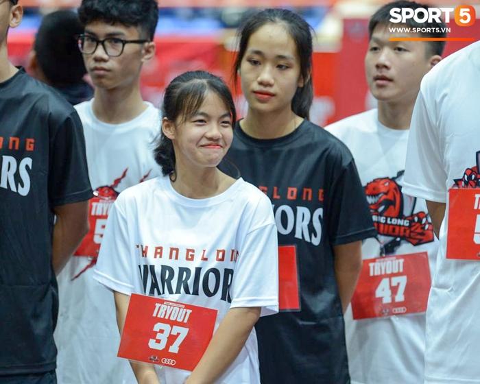 Cảm động câu chuyện bất chấp khó khăn dự try-out Thang Long Warriors của hai nữ cầu thủ nhí - ảnh 1