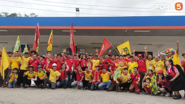 """HLV Nguyễn Thành Công: """"Chiến thắng này giúp các cầu thủ giải tỏa tâm lý"""" - Ảnh 2."""