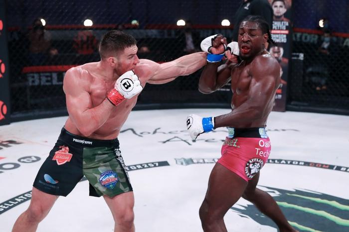 Vadim Nemkov bảo vệ thành công đai Bellator sau màn đại chiến cùng Phil Davis, tiến thêm một bước tới phần thưởng 1 triệu USD - Ảnh 3.