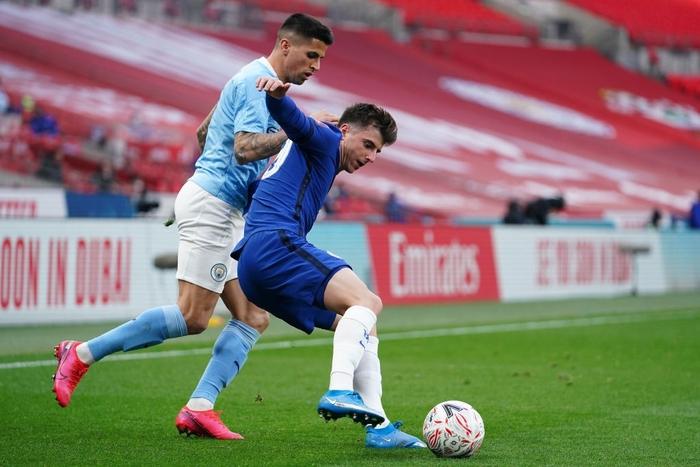 Hành động đáng lên án: Sao Man City giẫm lên mặt đàn em bên phía Chelsea - Ảnh 7.