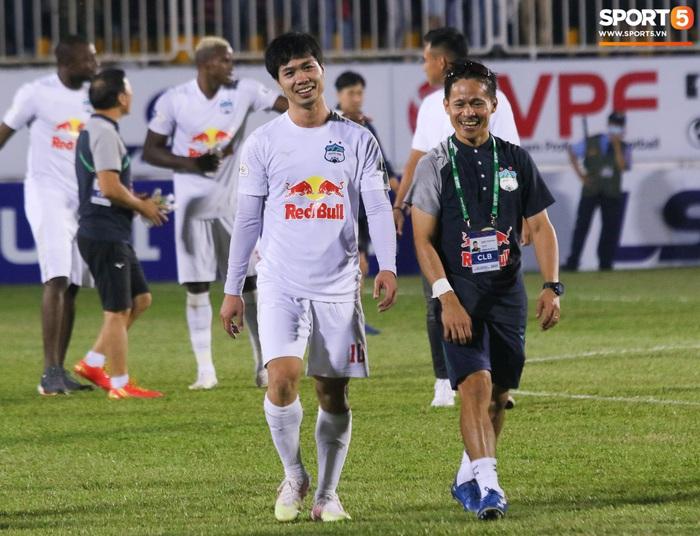 Nguyễn Tuấn Anh ăn mừng cực dị cùng Hữu Tuấn sau trận thắng Hà Nội FC - ảnh 20
