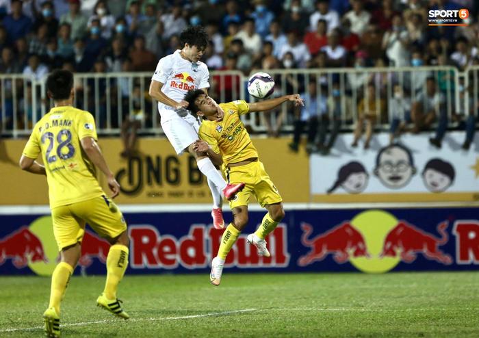 Xuân Trường lập siêu phẩm giúp HAGL đánh bại Hà Nội FC - Ảnh 2.