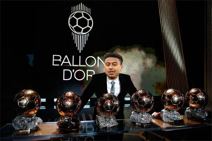 Góc hài hước: Siêu giải đấu 6 tỷ USD Super League giúp Lingard thống trị Quả bóng vàng - Ảnh 7.
