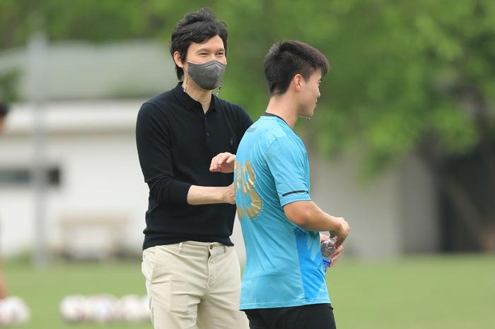 HLV Park Choong-kyun: Mục tiêu của tôi là đưa Hà Nội FC vươn tầm châu Á - Ảnh 1.