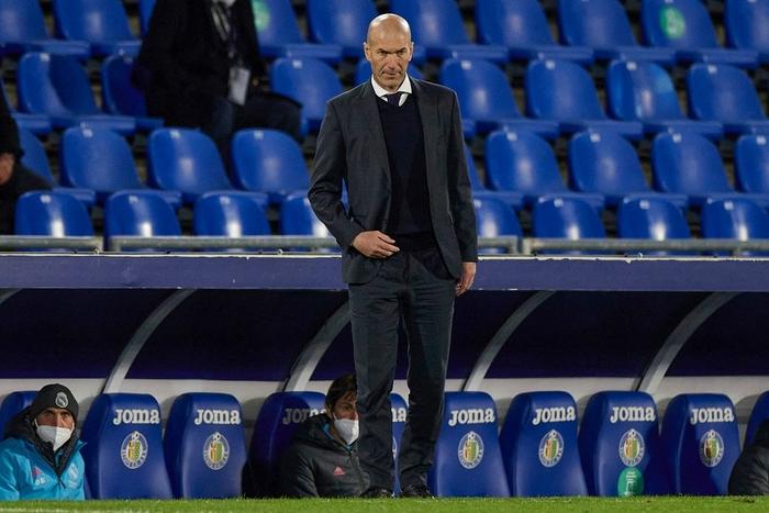 Vượt qua mớ bòng bong Super League, Real Madrid thắng đậm để vươn lên ngôi đầu La Liga - Ảnh 9.